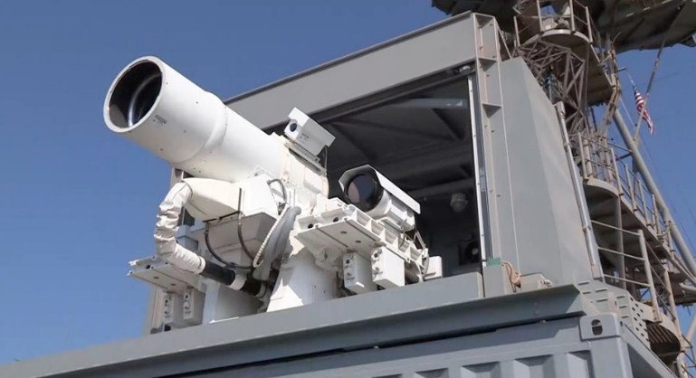 Example of 30kW laser weapon installed on US warship (LaWS)